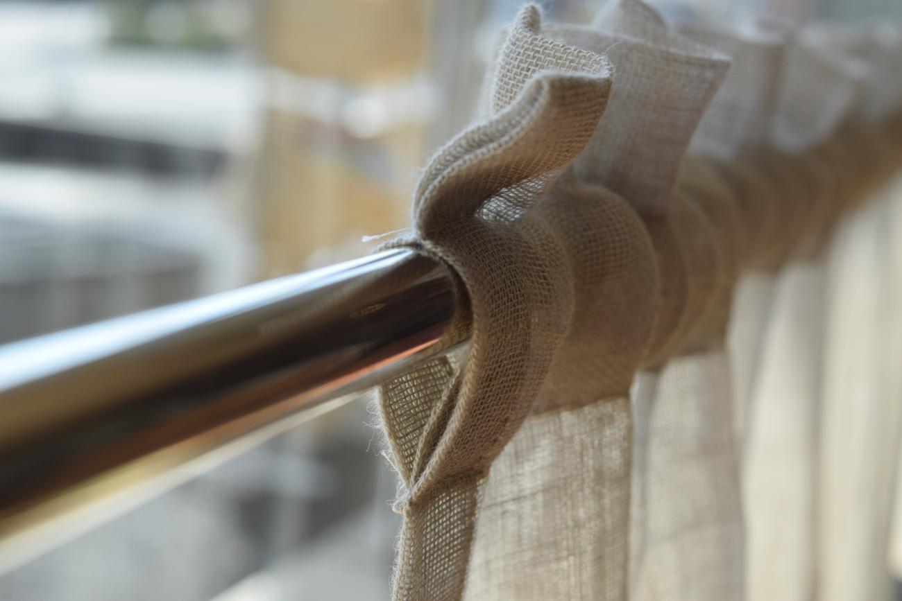 裾飾りレースカフェ
